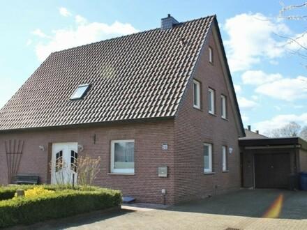 5797 - Teilsanierets Wohnhaus mit zwei Wohneinheiten auf 1.141 m² großem Grundstück in ruhiger Lage