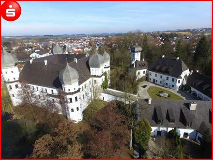 Bei München: Herrschaftliche Schlosswohnung