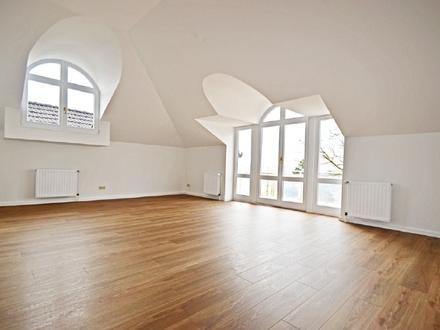2-Zimmer-Altbauwohnung mit Fahrstuhl und traumhaftem Weserblick in Bestlage
