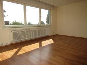 3-Zimmer-Wohnung mit Süd-Balkon und zwei Stellplätzen