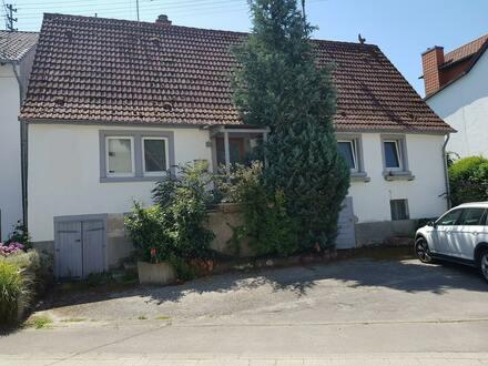 Sanierungsbedürftiges Wohnhaus in Dilsbergerhof ( Neckargemünd ) der Ort mit Flair und Kultur