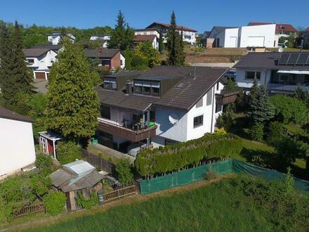 Großes, gepflegtes Einfamilienhaus mit Einliegerwohnung und schönem Garten mit Teich