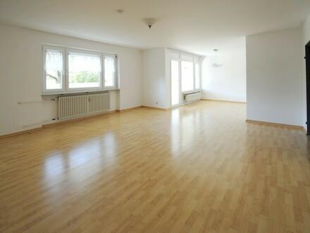 Stop!!! Freundliche und helle 4-Zimmer Wohnung in gesuchter Lage von Schwalbach