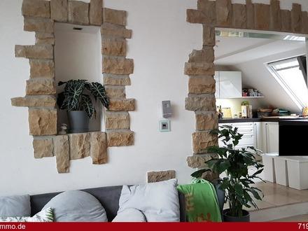 Perfekt renoviertes Zweifamilienhaus mit Gewerbeeinheit in bester Lage zu verkaufen