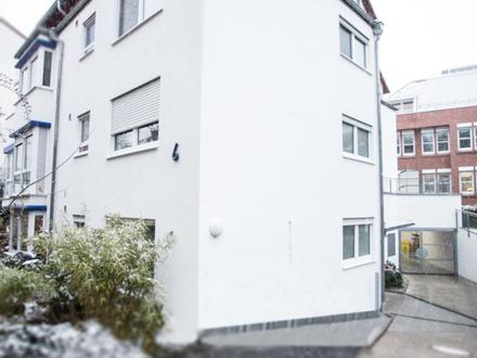 Helle Wohnung mit großzügigem Balkon und 3 Stellplätzen in zentraler Lage von Waiblingen!