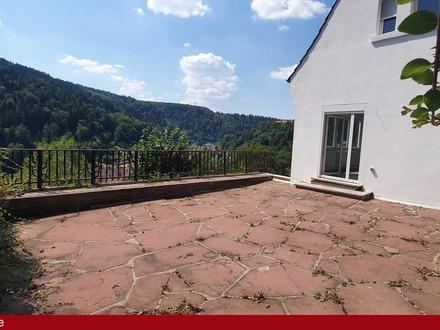 Kernsanierte, alte Stadtvilla mit ELW - genießen Sie den Schwarzwald !