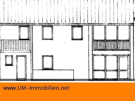 geräumige Doppelhaushälfte mit Wintergarten, Garten und Garage