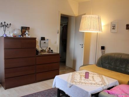 LAYER IMMOBILIEN: Immobilie mit Entwicklungspotenzial: Hochparterre-Wohnung - Nähe Vincentinum zu kaufen!