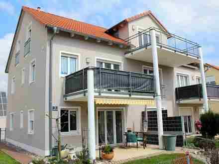 Hochwertig Ausgestattete DG-Wohnung mit großzügigen Balkon