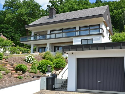 *HTR Immobilien GmbH* Exkl. Wohnhaus in Traumlage u. Mega-Ausblick!