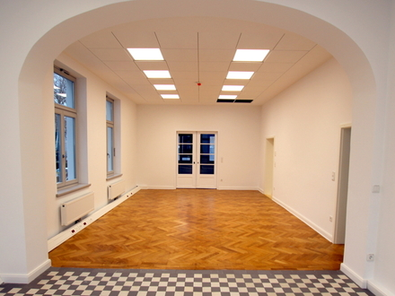 Exponierte Lage in Oldenburg! Büro- / Praxisräume in einem 2019 / 2020 sanierten Baudenkmal