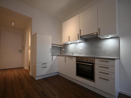 ALLES NEU! | Schickes Apartment mit Balkon in guter Lage [08]