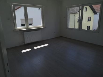 Neu Sanierte 3-Zi.-Wohnung in ruhiger Anliegerstraße