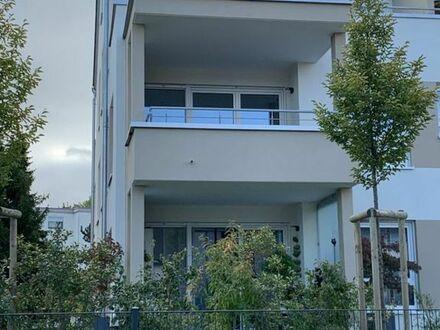 Ruhige, moderne 3-Zimmer-EG-Wohnung mit Terrasse, Garten und EBK in Stuttgart-Hofen