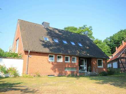 ZURZEIT RESERVIERT: Großzügige Immobilie im Ortskern