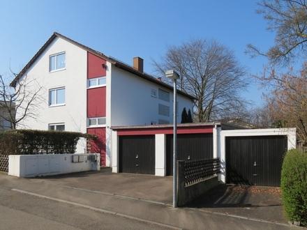 Große Wohnung mit Balkon, Garten und Garage in Reutti