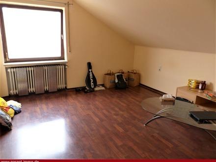 Gemütliche 1 Zimmer-Wohnung mit Garage!