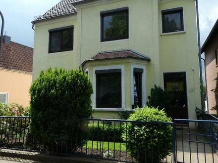 Helle Vier-Zimmer Wohnung mit Küche in Rablinghausen