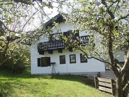 Älteres, charmantes Einfamilienhaus in sehr ruhiger Lage, mit großem Garten, sofort beziehbar, im Erbbaurecht!!