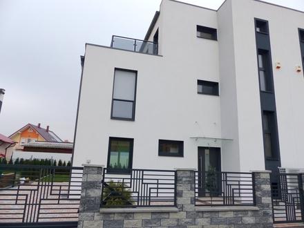 Traumhafte Doppelhaushälfte in Stadtrandlage
