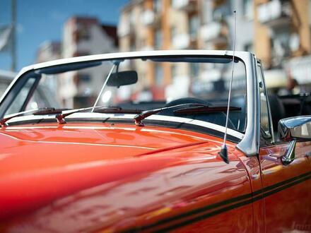 Sie benötigen den perfekten Autoabstellplatz für Ihr Cabrio / Auto / Motorrad?