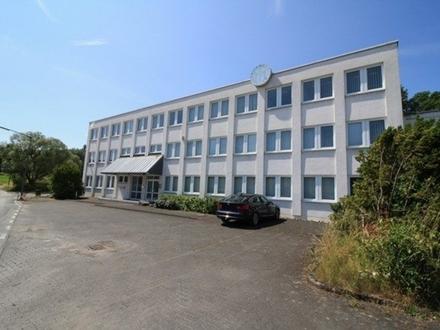 Büro-/ Praxisetage (1. OG) in Kreuztal-Eichen!