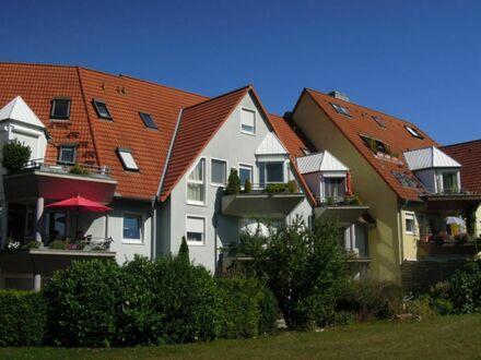 2 Zimmer 4 3 qm KOMFORTWOHNUNG + wettergeschützter SONNEN- LOGGIA im Terrassenformat + DUPLEXPARKER