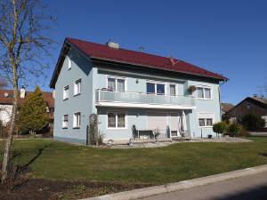 Renovierte und großzügige 4,5 ZKB-Wohnung in guter Lage Grabens