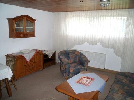 Voll möblierte und ruhig gelegene 2-Zimmer-Wohnung mit Einbauküche in Senden/Ay.