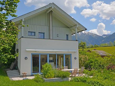 Drinnen Draußen Wohnen! Schickes Einfamilienhaus mit heller Gartenfreude