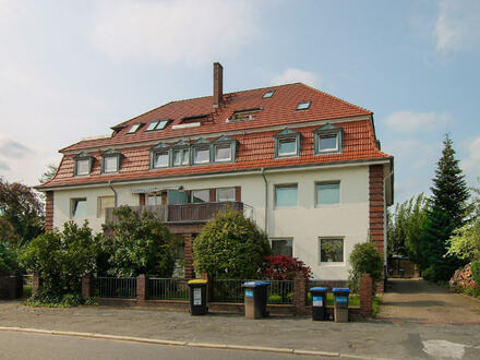 Äußerst attraktive und aufwendig renovierte 2-Zimmerwohnung in gepflegtem Altbremer Haus, mit eigenem Gartenanteil, inkl.…