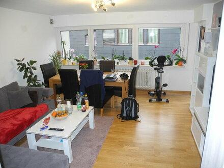 Große Wohnung mit vielfältigen Nutzungsmöglichkeiten!
