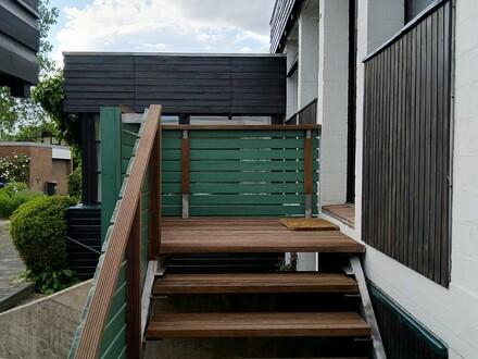 Einliegerwohnung in anspruchsvollem Architektenhaus