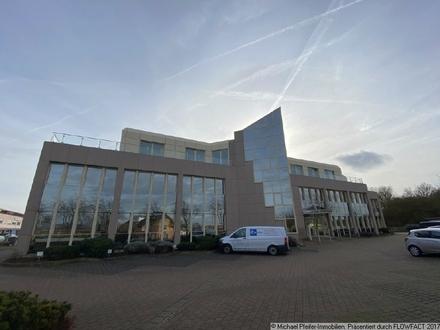 Äußerst schickes, klinatisiertes Büro mit Dachterrasse im Westendhaus in Mainz-Bretzenheim.