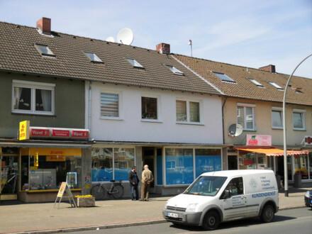 Zentral gelegenes Wohn- und Geschäftshaus in SZ-Lebenstedt