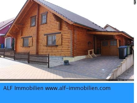 Freistehendes wunderschönes Holzhaus mit Ausbaureserve