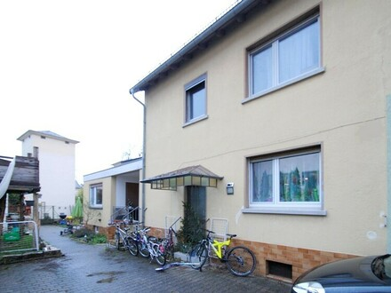 Kapitalanlage!! 2 Doppelhaushälften im Herzen von Eschborn-Niederhöchstadt!