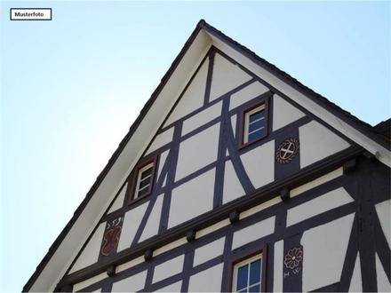 Teilungsversteigerung Einfamilienhaus in 75180 Pforzheim, Bekstr.