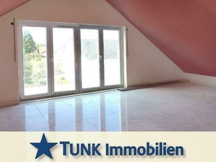 *RESERVIERT* Erstbezug! 2 Zi. Dachgeschosswohnung mit Balkon und Autostellplatz in Kahl am Main!