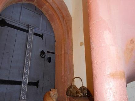 Habt Acht Ihr Rittersleut!! Kleine Burg - heute ein Zweifamilienhaus mit Luxusausstattung...