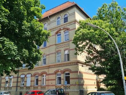 Nette(r) Mieter(in) gesucht! Renovierte 2-Zimmer-Mietwohnung Nähe Inselwall!