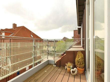TT Immobilien bietet Ihnen: Zentral gelegene Mietwohnung mit Balkon in Wilhelmshaven!