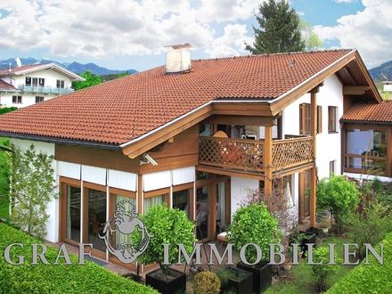 Blick auf die außergewöhnliche Landhaus-Villa 2