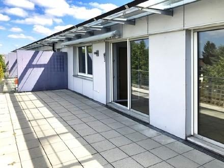 Großzügige 3 Zimmer Dachterrassenwohnung in Forstenried