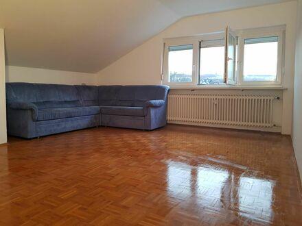 Ruhige Dachgeschosswohnung mit abgeschlossener Küche und Wannenbad in Passau-Neustift