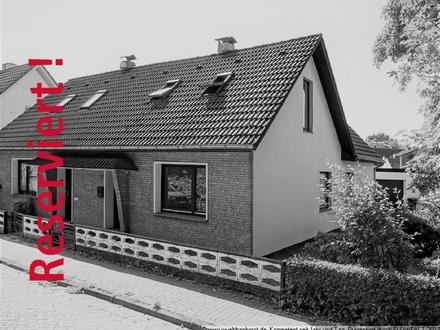 Preiswerte Doppelhaushälfte mit Garage in Osternburg
