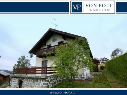 Kleines Zweifamilienhaus in zentraler Lage von Neureichenau