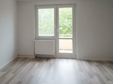 2 Zimmer Wohnung mit Blick ins Grüne, auf Wunsch mit Einbauküche*!