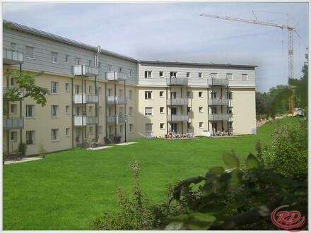 Helle 4-Zimmer Wohnung mit Südbalkon ++Robert Decker Immobilien++