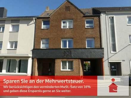 Eigentümergeführte KAPITALANLAGE - Bezugsfertig 3 Wohneinheiten, 3 Garagen, Garten